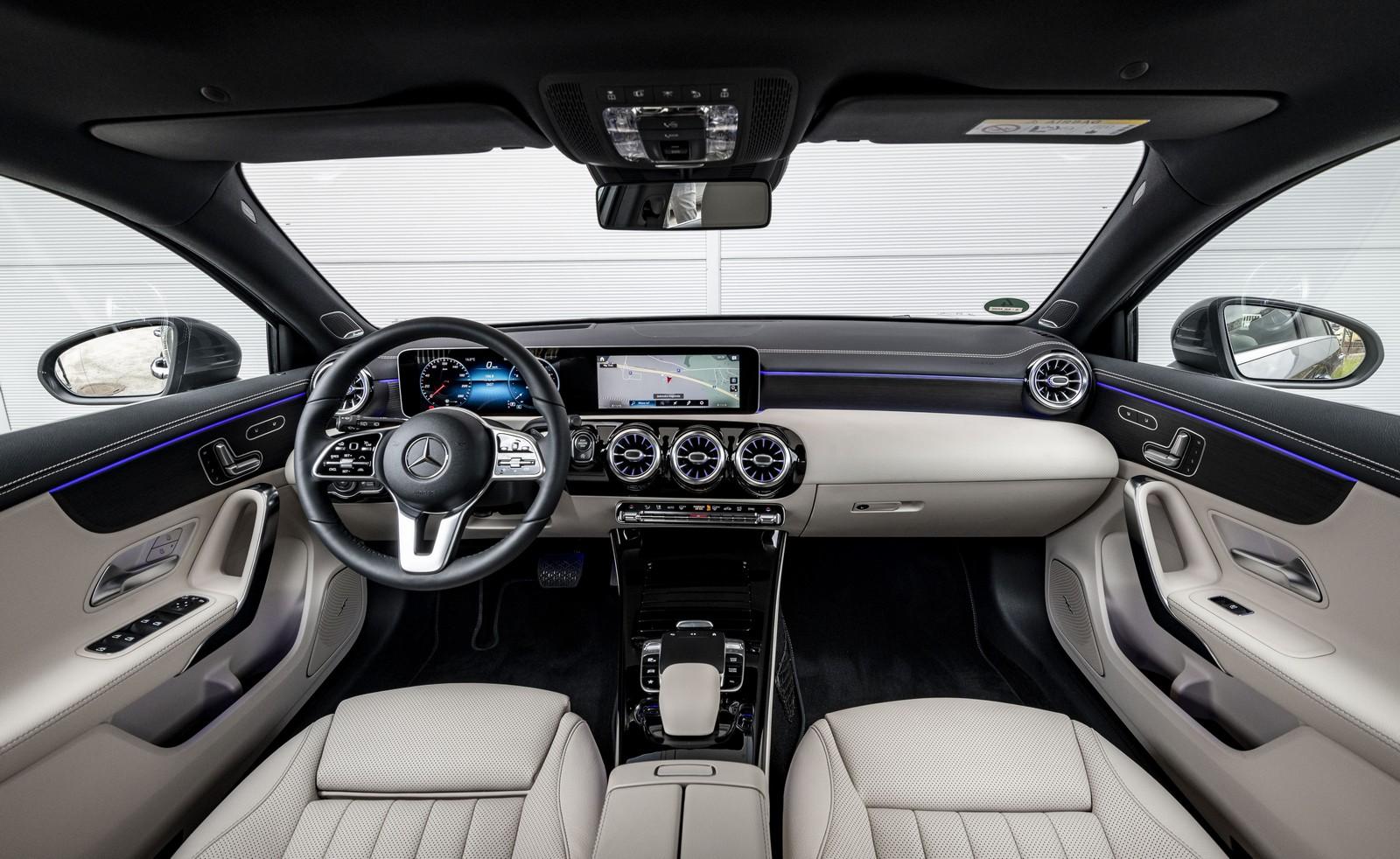 Σημαντικά αναβαθμισμένο το εσωτερικό της νέας A-Class.