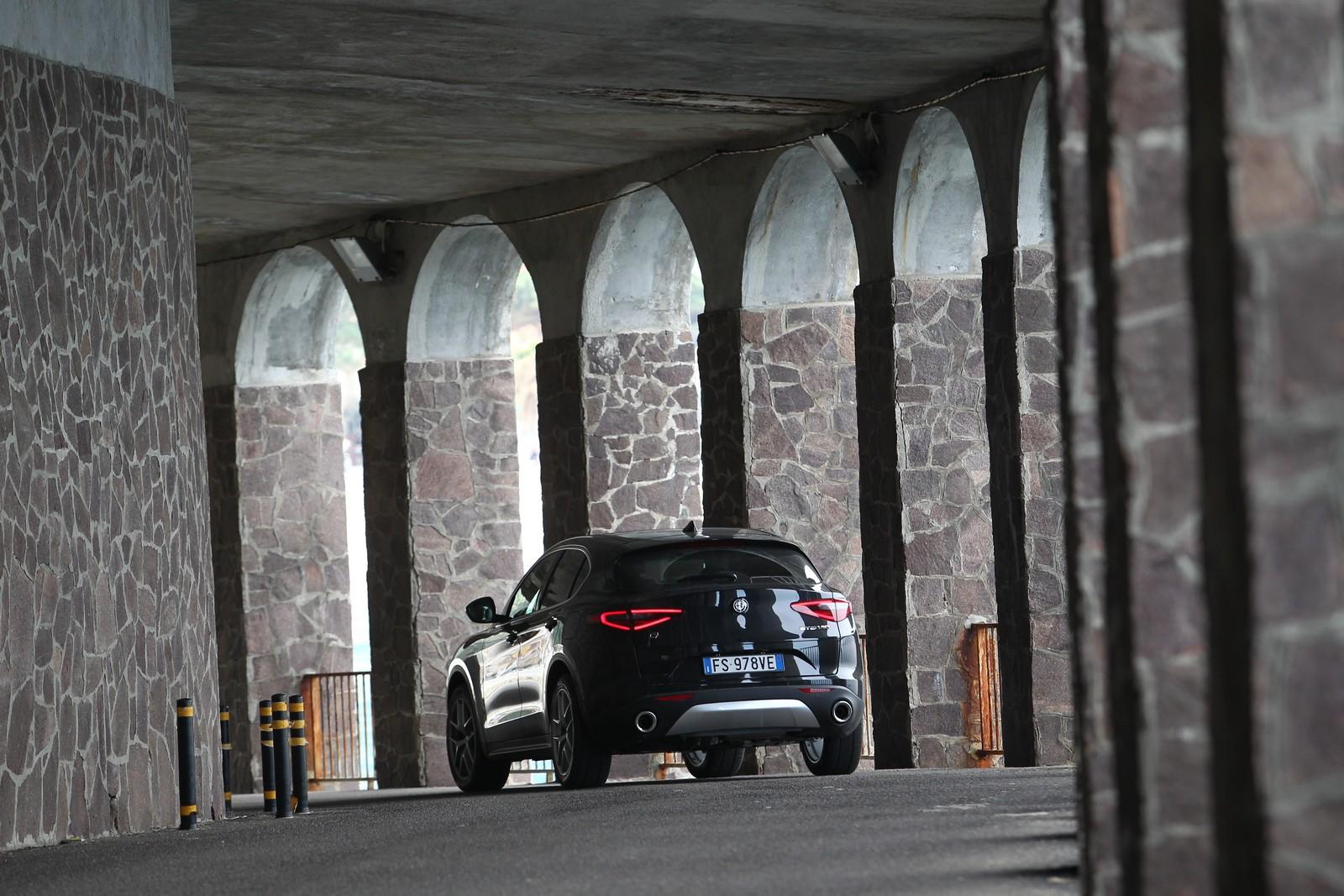 Οδοιπορικό στη Nότια Ιταλία με Alfa Romeo Stelvio