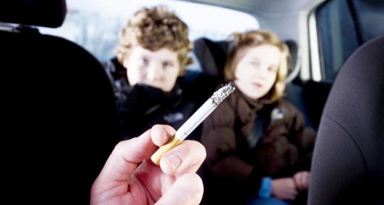 Κάπνισμα στο αυτοκίνητο