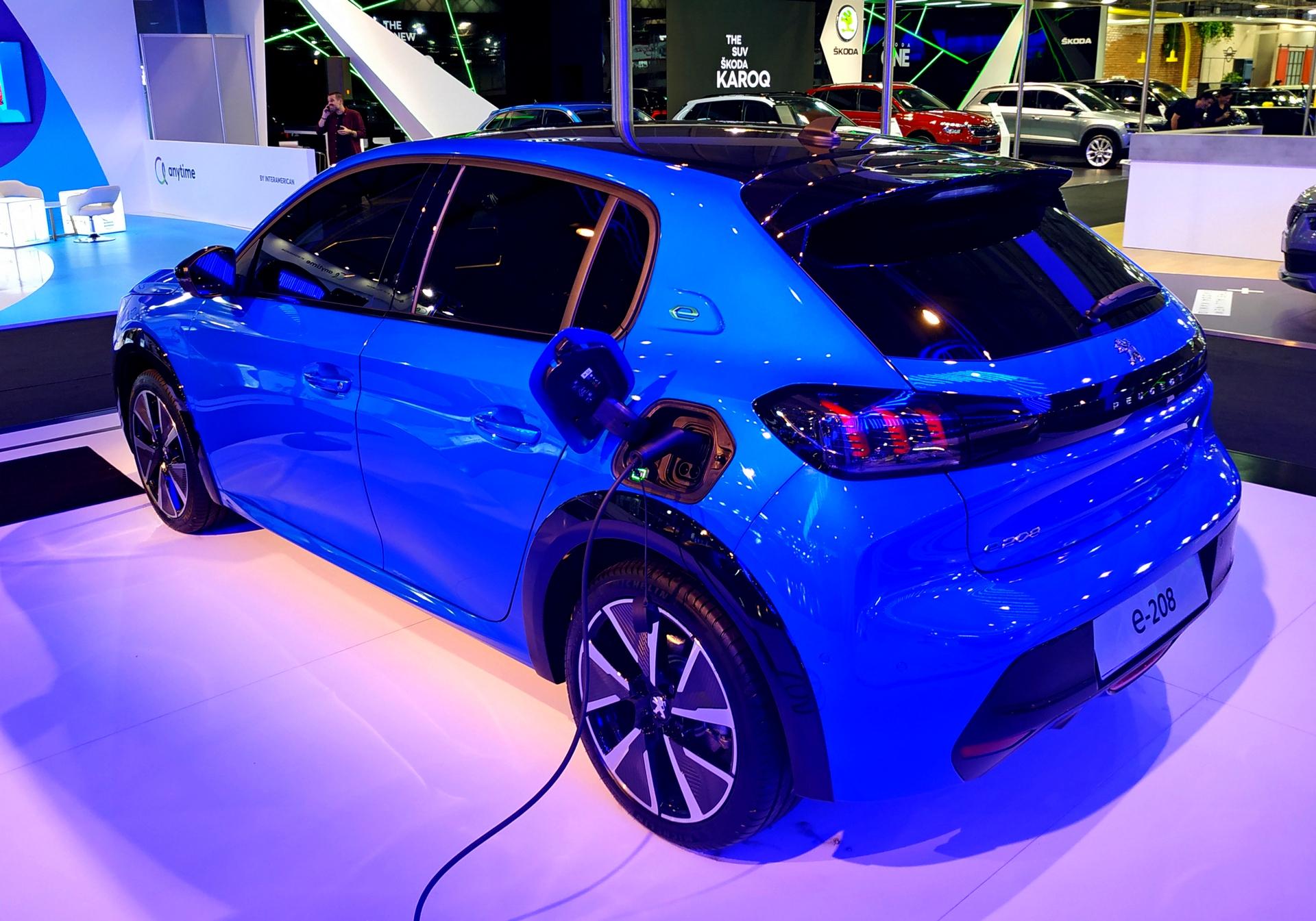 Peugeot e-208