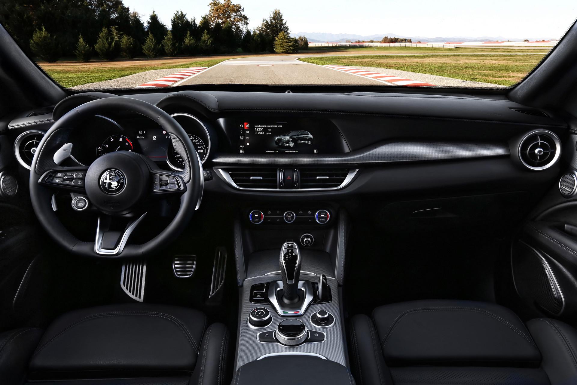 Alfa Romeo Giulia - Alfa Romeo Stelvio