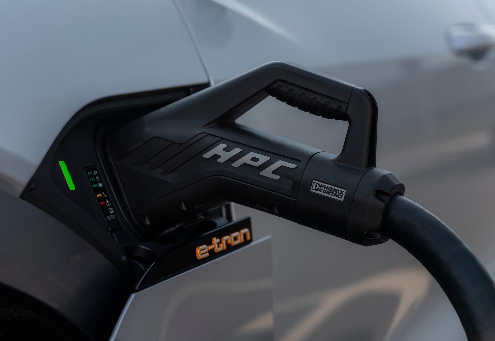 Audi e-troen