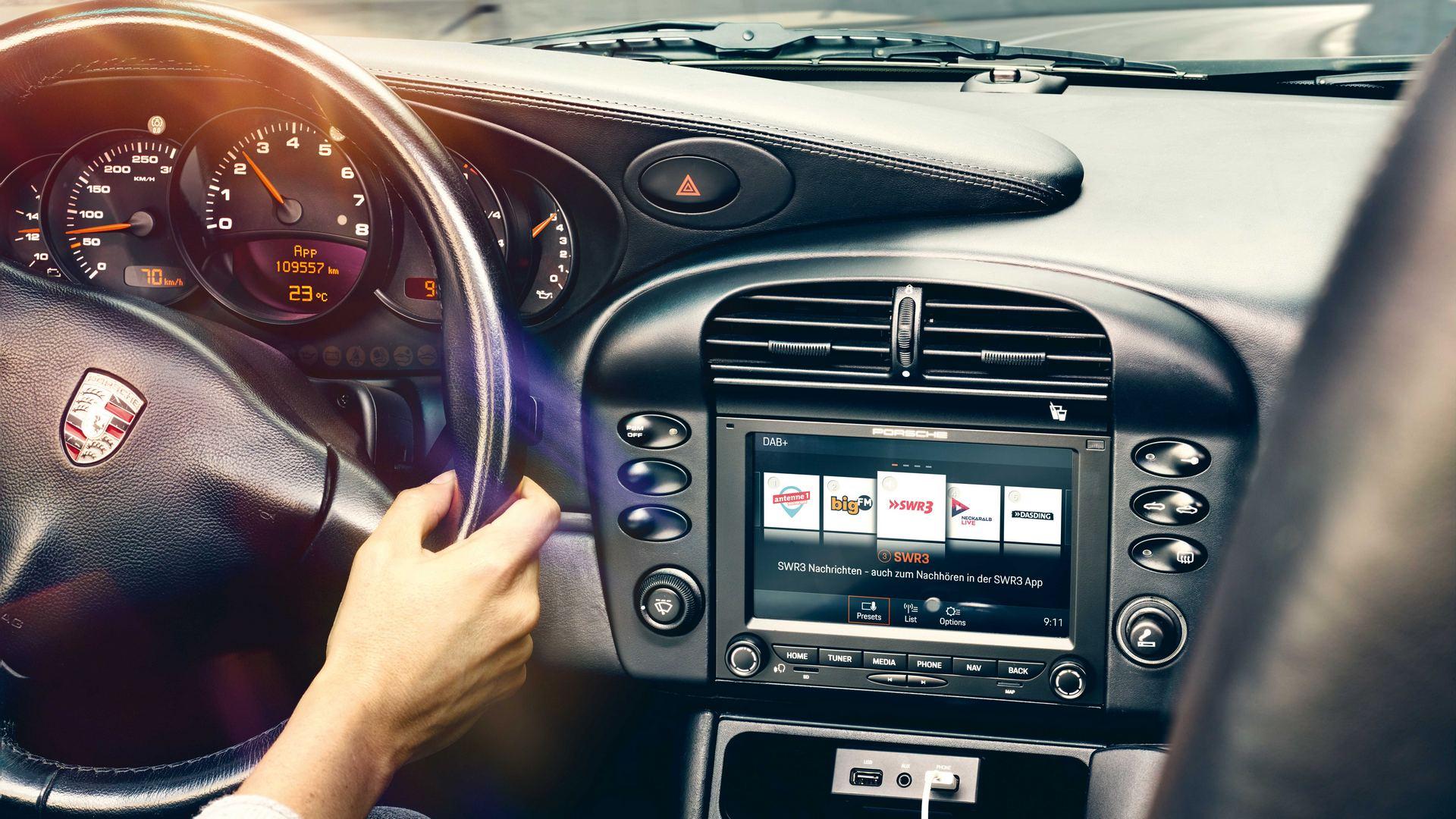 Porsche Classic Communication System