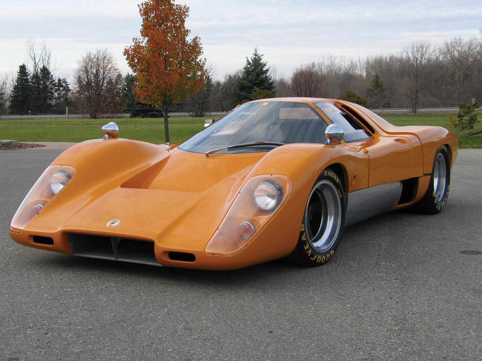 McLaren M6 GT