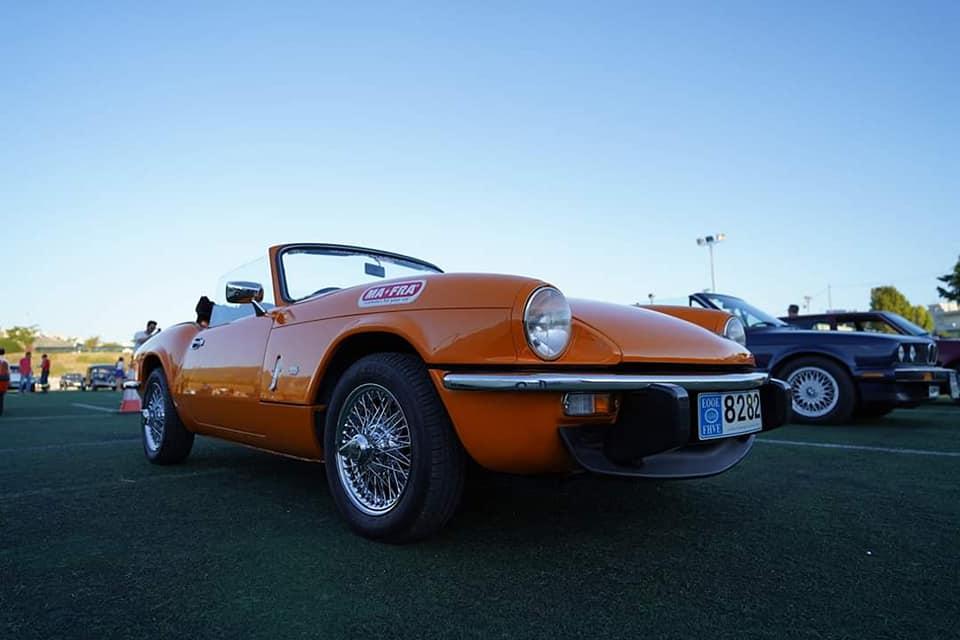 Ιστορικά αυτοκίνητα στο Drive στη Γλυφάδα