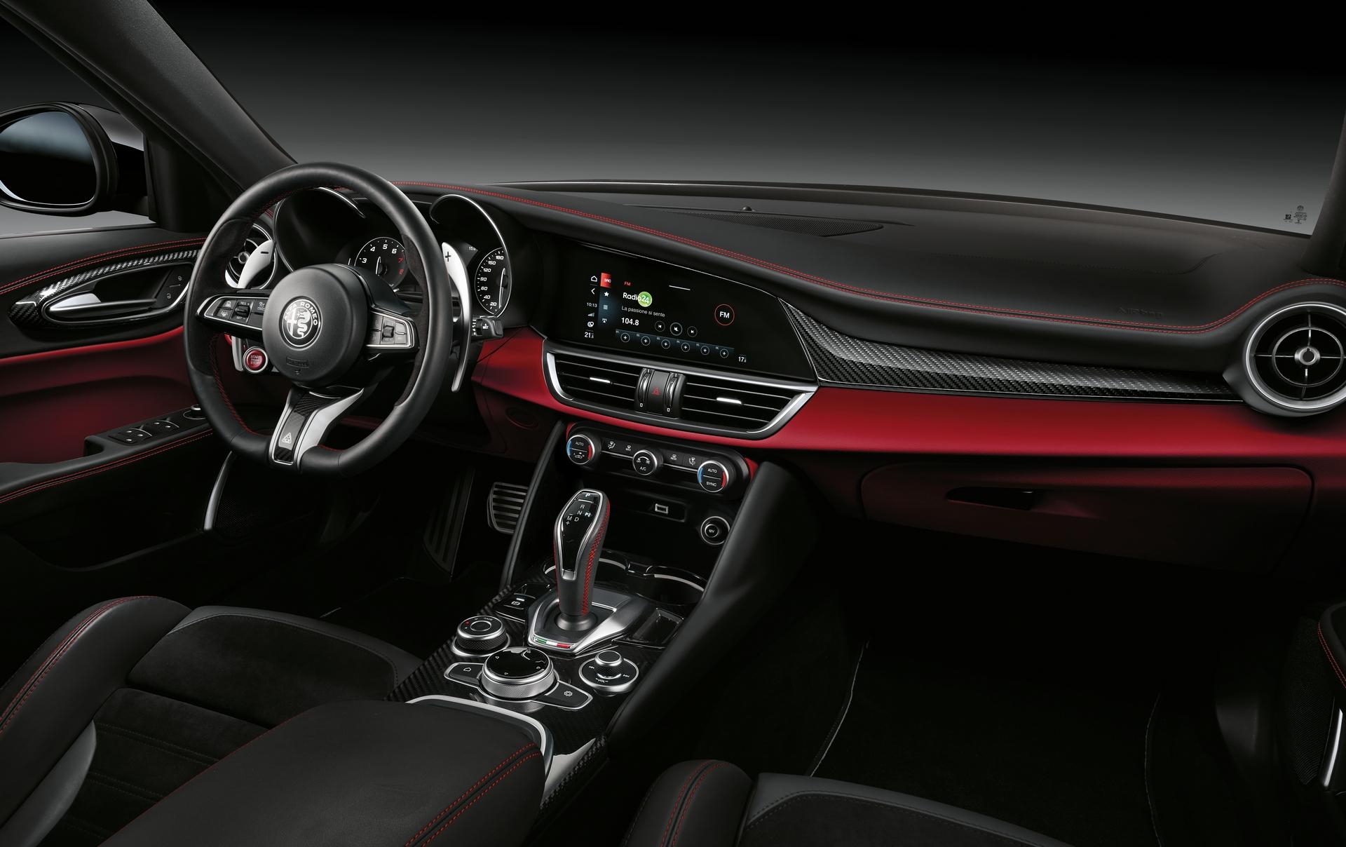 Alfa Romeo Giulia Quadrifoglio - Alfa Romeo Stelvio Quadrifoglio
