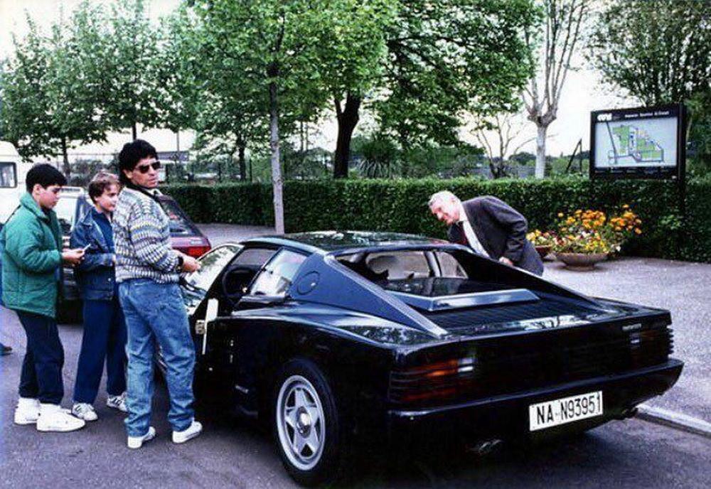 Maradona Ferrari Testarossa