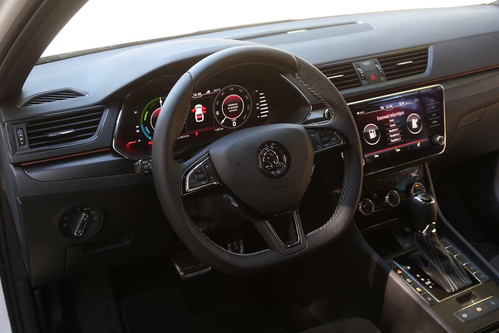 Οδηγούμε το Skoda Superb iV