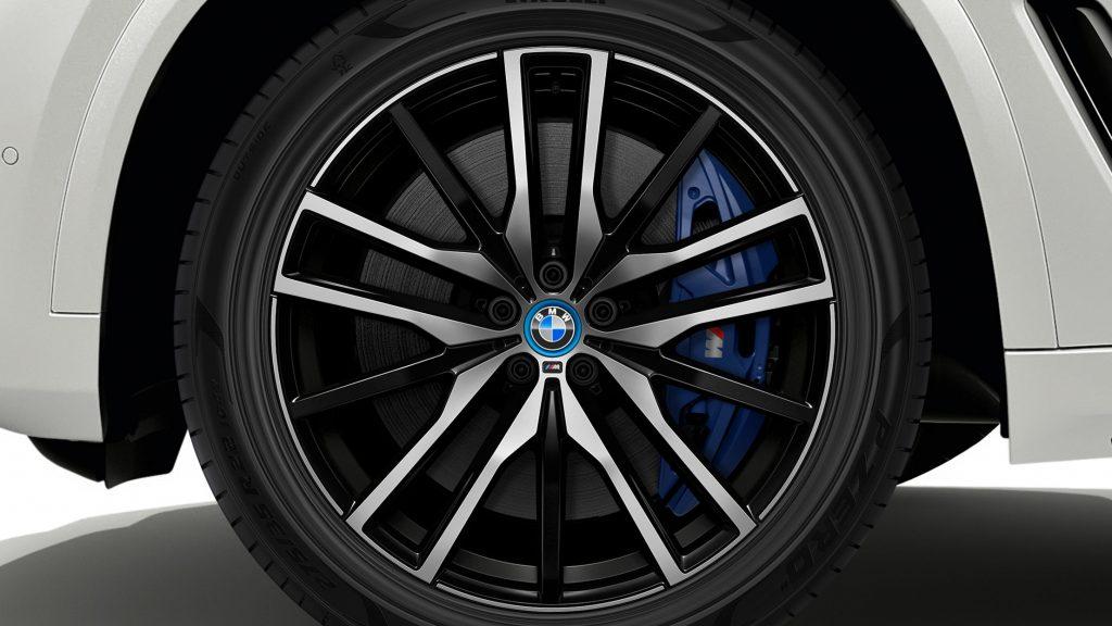 BMW - Pirelli