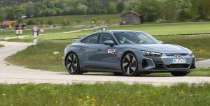 Audi e-tron GT quattro panning