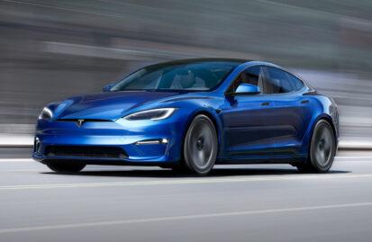 Tesla Model S: Ασύρματες αναβαθμίσεις σε ανάρτηση και Autopark