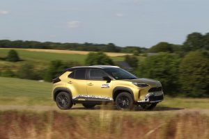 Toyota Yaris Cross hybrid panning