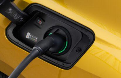 H Ευρώπη γυρίζει την πλάτη στο ντίζελ, στο 40% το μερίδιο υβριδικών και ηλεκτρικών